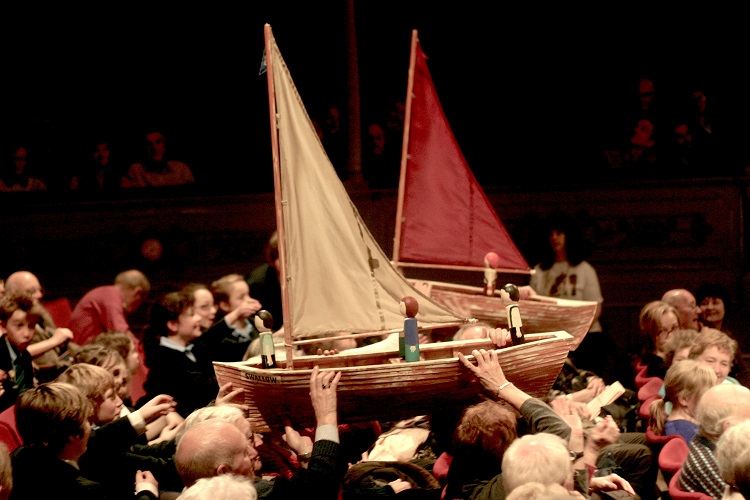 Swallows boats over audience resize