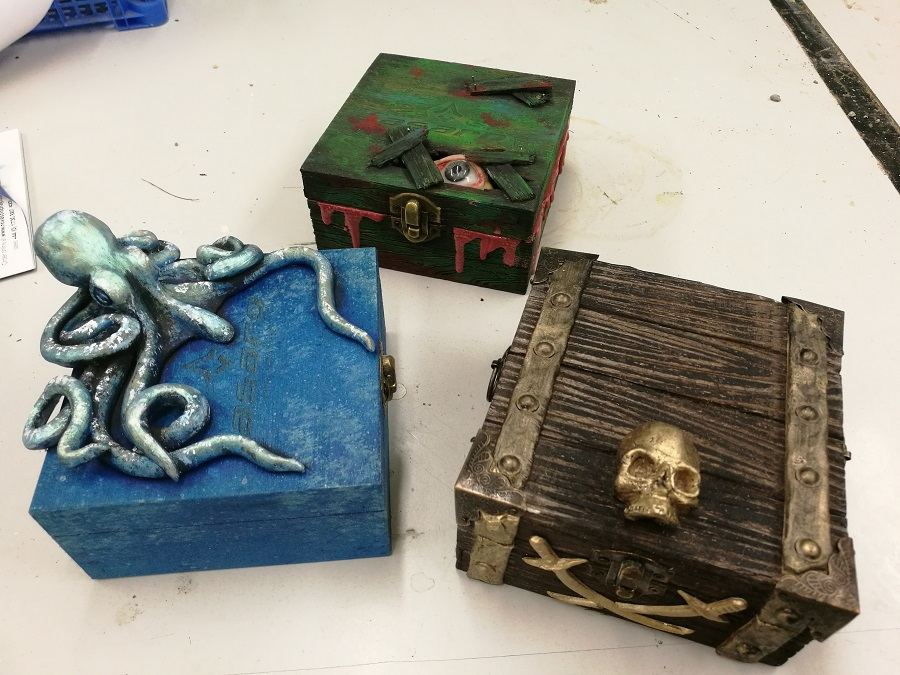 Themed boxes