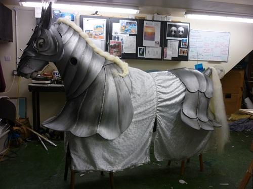 panto horse resize